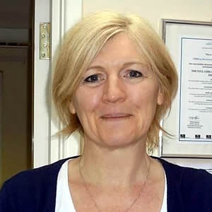 Mrs Debbie Dix